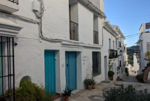 CHECKLIST FOR NEW HOME-OWNERS IN SPAIN